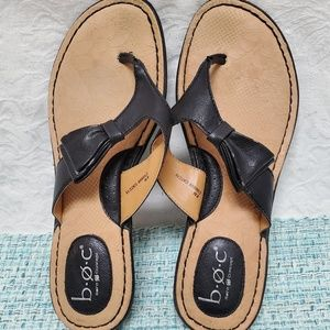 B.O.C Born Sandals Womens Size 8 Flip Flops Black